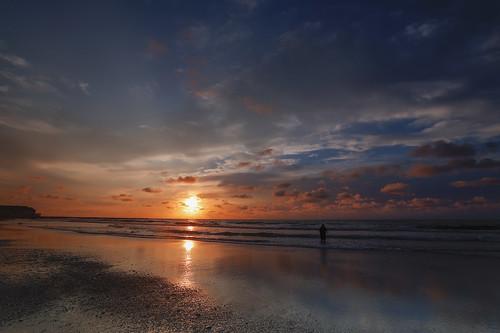 atlanticcity jerseyshore canon canoneosr6 canonrf1535mmf28 canonrf24105mmf4 canoneosr beach shore jersey newjersey sunrise sunset color mirrorless