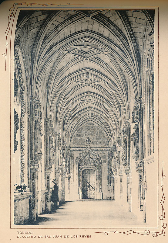 Claustro de San Juan de los Reyes. Incluida en un raro álbum con 24 fotografías de Toledo hacia 1907. Colección personal de Eduardo Sánchez Butragueño.