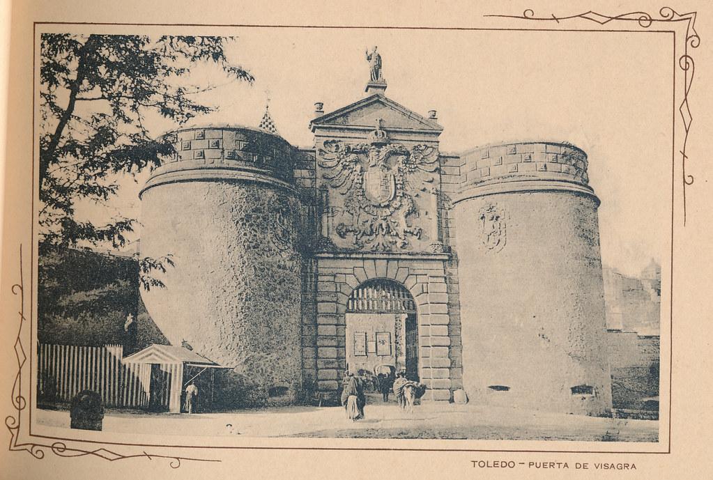 Puerta de Bisagra. Incluida en un raro álbum con 24 fotografías de Toledo hacia 1907. Colección personal de Eduardo Sánchez Butragueño.
