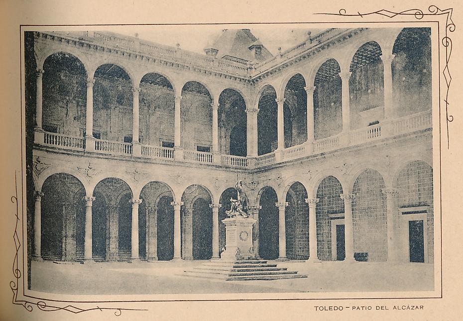 Patio del Alcázar. Incluida en un raro álbum con 24 fotografías de Toledo hacia 1907. Colección personal de Eduardo Sánchez Butragueño.
