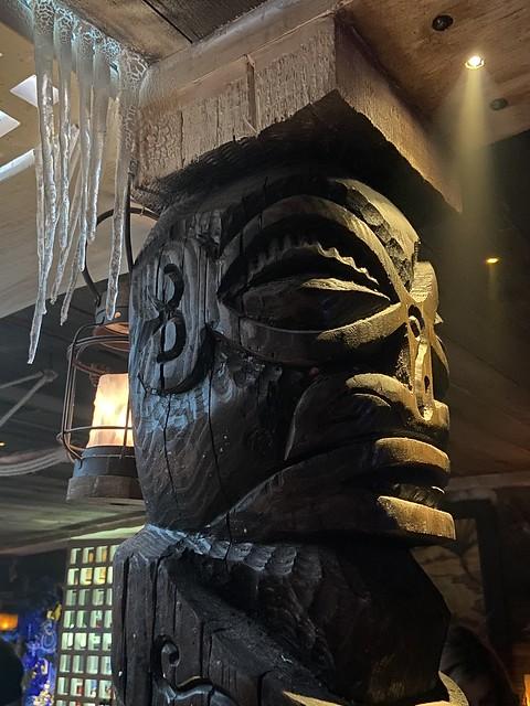 Tiki Diablo carving