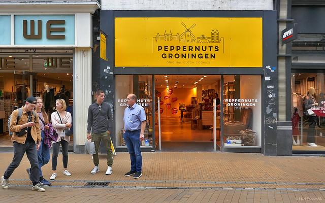 Groningen: Herestraat, peppernuts pop up store