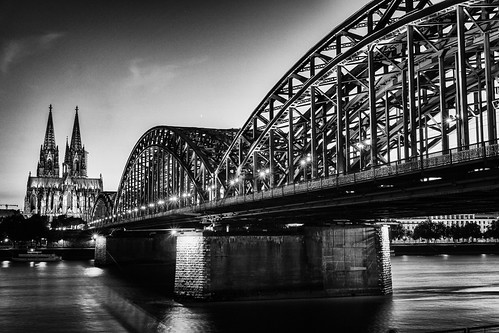 europe germany northrhinewestphalia cologne hohenzollernbridge riverrhine colognecathedral kölnerdom longexposure blackwhite monochrome