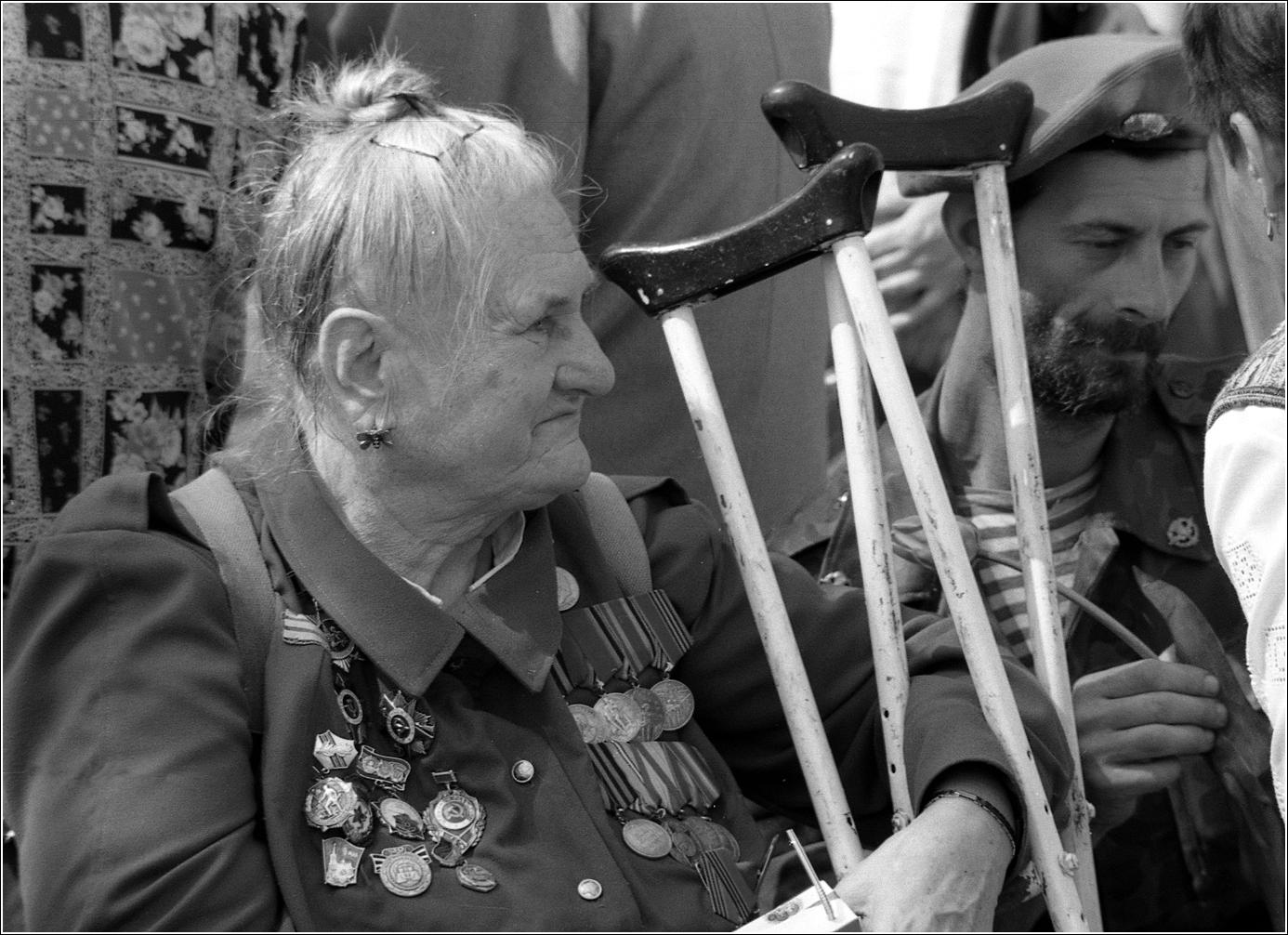 181. 1996. 9 мая. Встреча Ветеранов у Большого театра