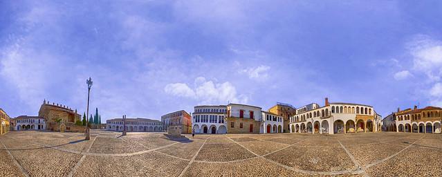 Garrovillas. Plaza Porticada Panorámica