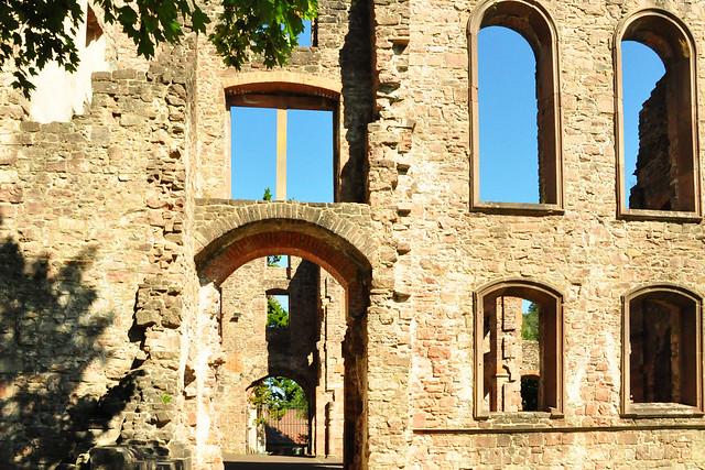 September 2020 ... Klosterruine Frauenalb, Nordschwarzwald ... Brigitte Stolle
