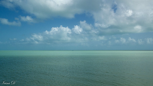 sky sea ocean water blue green turquoise color clouds white tropics horizon boat minimalism seascape landscape nature light beautiful outside art digital serene peaceful mood travel vacation florida 2020 keywest usa national canon outstandingromanianphotographers