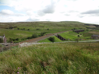 Arriving at Garsdale, where the road, railway and watershed cross at about the same point, but all going slightly different directions
