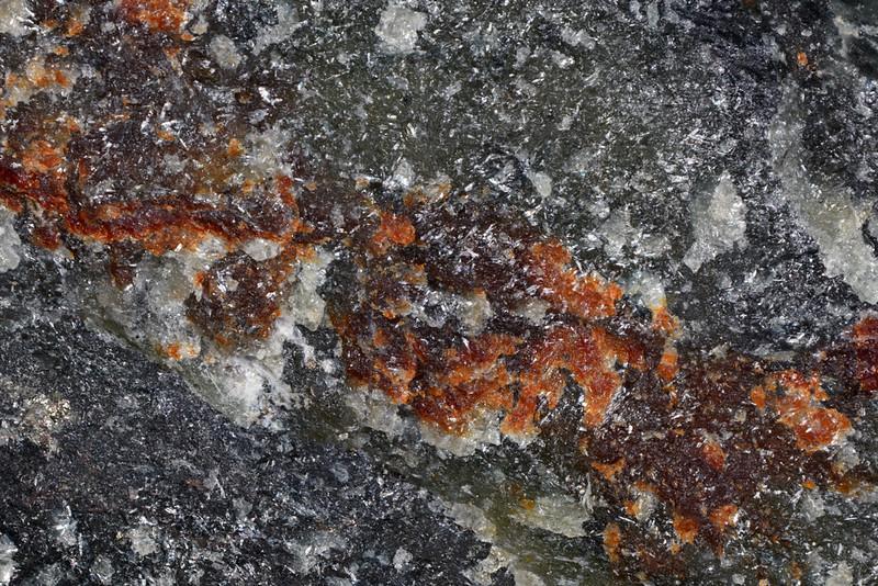 水酸単斜ヒューム石 / Hydroxylclinohumite