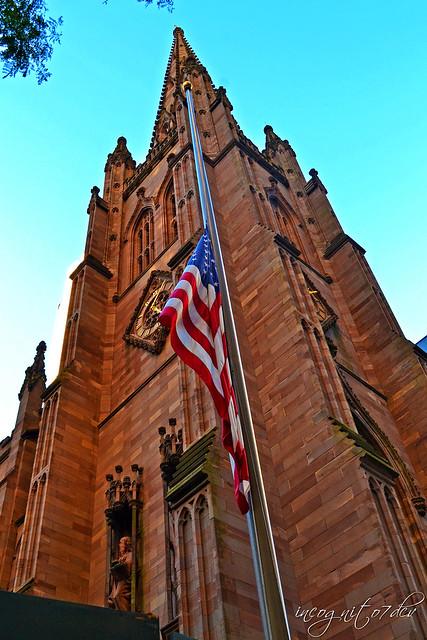 Trinity Church Broadway Wall St Financial District Lower Manhattan New York City NY P00649 DSC_1253