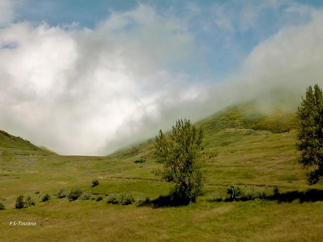 Surtidor de nubes. Clouds supplier. Babia. León.