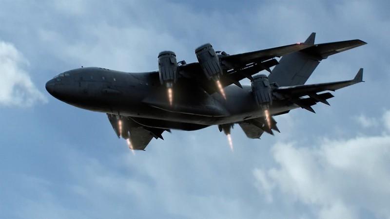 S.H.I.E.L.D CXD-23 Airborne Mobile Command Station - le Bus  50337190541_0e8c84cfdc_c