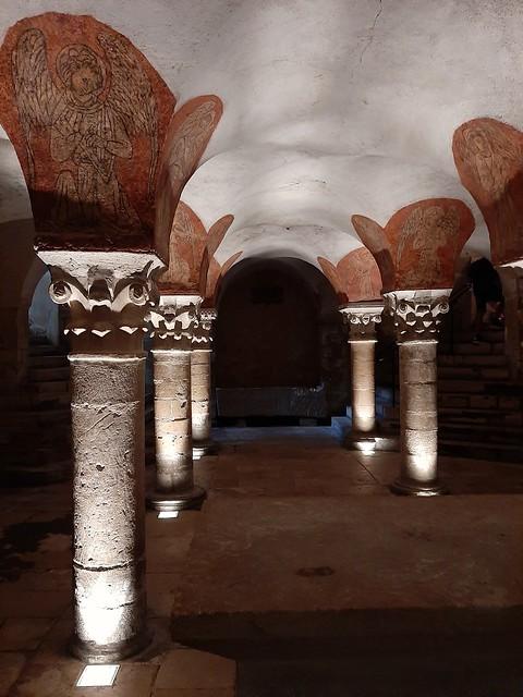 Crypte cathédrale notre-dame de bayeux in EXPLORE