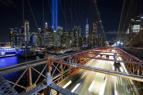 canon 5dmk4 longexposure night famous 911 tributeinlight newyorkcity newyork skyline cityscape unlimitedphotography unlimitednyc nyc photography lighttrail manhattan brooklynbridge worldtradecenter iconic scenic historic