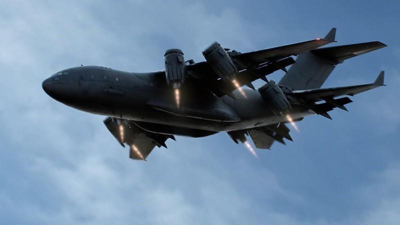 S.H.I.E.L.D CXD-23 Airborne Mobile Command Station - le Bus  50337348552_d13e9b90cf_c