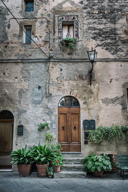 Entrance house in Pienza // Trip to Toscane Italy