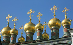 Russia, Holy Moscow, the Kremlin Turrets - Gilded Onion Domes as the Fragment of the Complex of Verkhospassky Cathedral & the Terem Churches since 1636 (Верхоспасский Собор и Теремные Церкви),  Sobornaya Square, Tverskoy district. Православнаѧ Црковь.