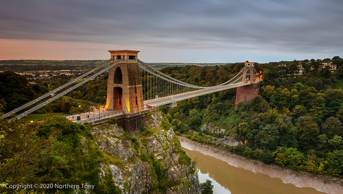 canon1740mml canon canon5dmarkiv avongorge cliftonsuspensionbridge isambardkingdombrunel river water early earlymorning england europe bristol bridge architecture sunrise leefilters lightroom6 niksoftware colourefexpro colours color northerntony new