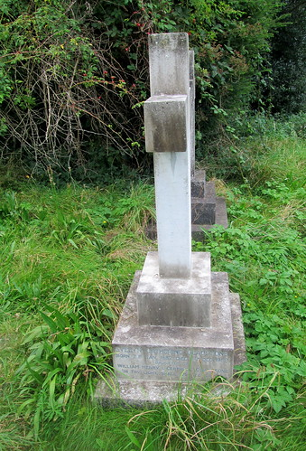 aGladstone  A Gladstone's Grave,St Deiniol's Churchyard, Hawarden