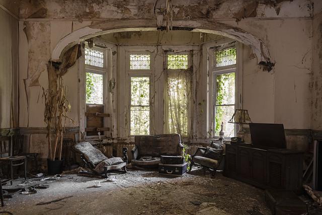 living dead room.