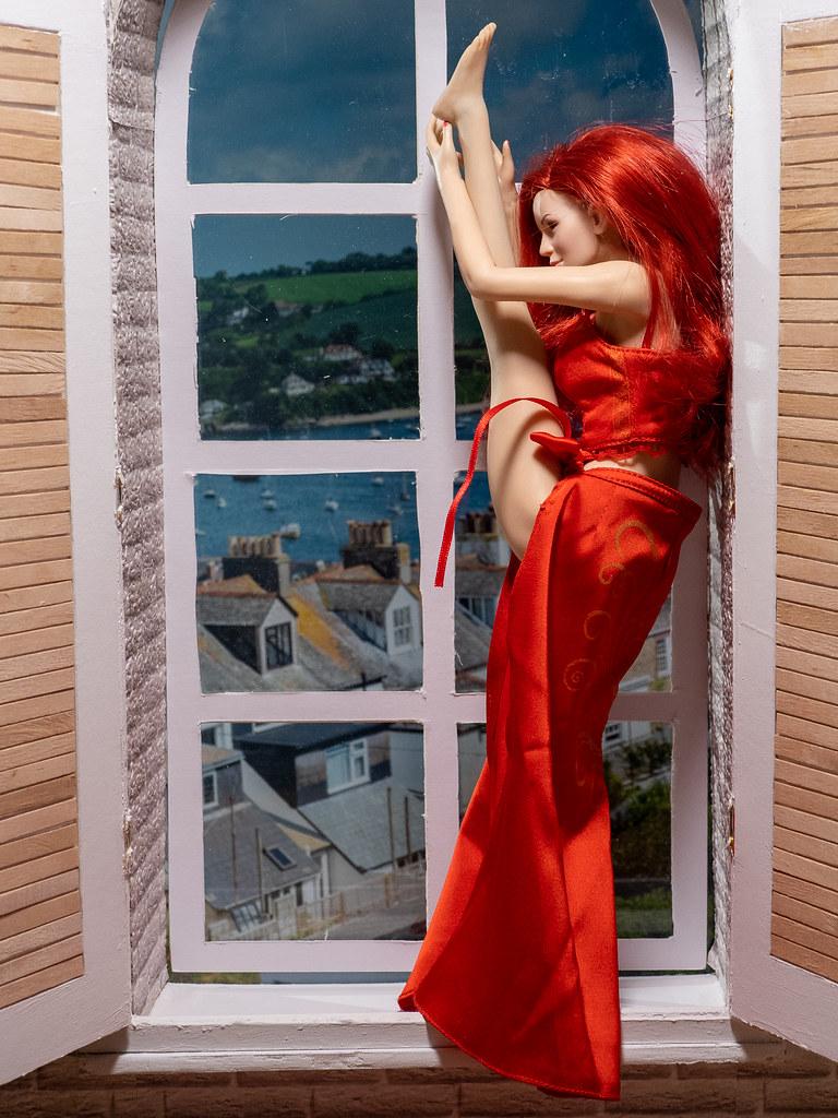 Phicen Window Posing 50341397588_6a46a1f38c_b