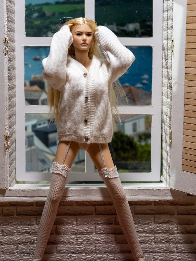 Phicen Window Posing 50341398318_f193a4ff30_b