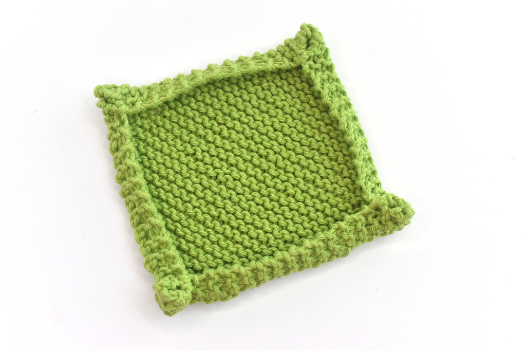 Green Mini Tray Knitting Pattern