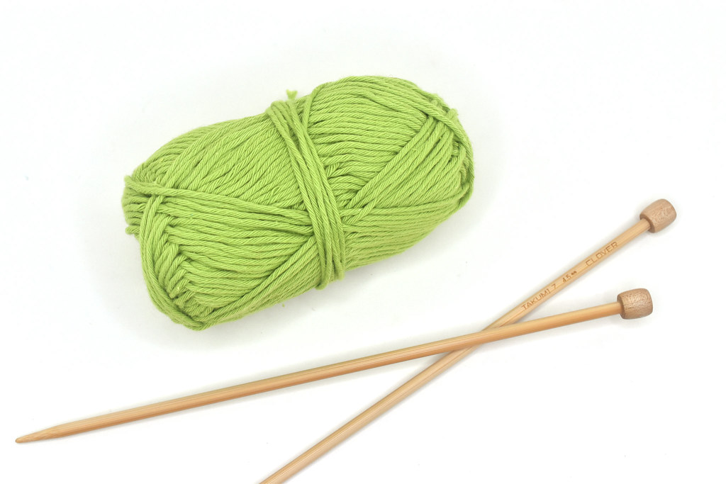 Yarn and Knitting Needles for Mini Tray Pattern