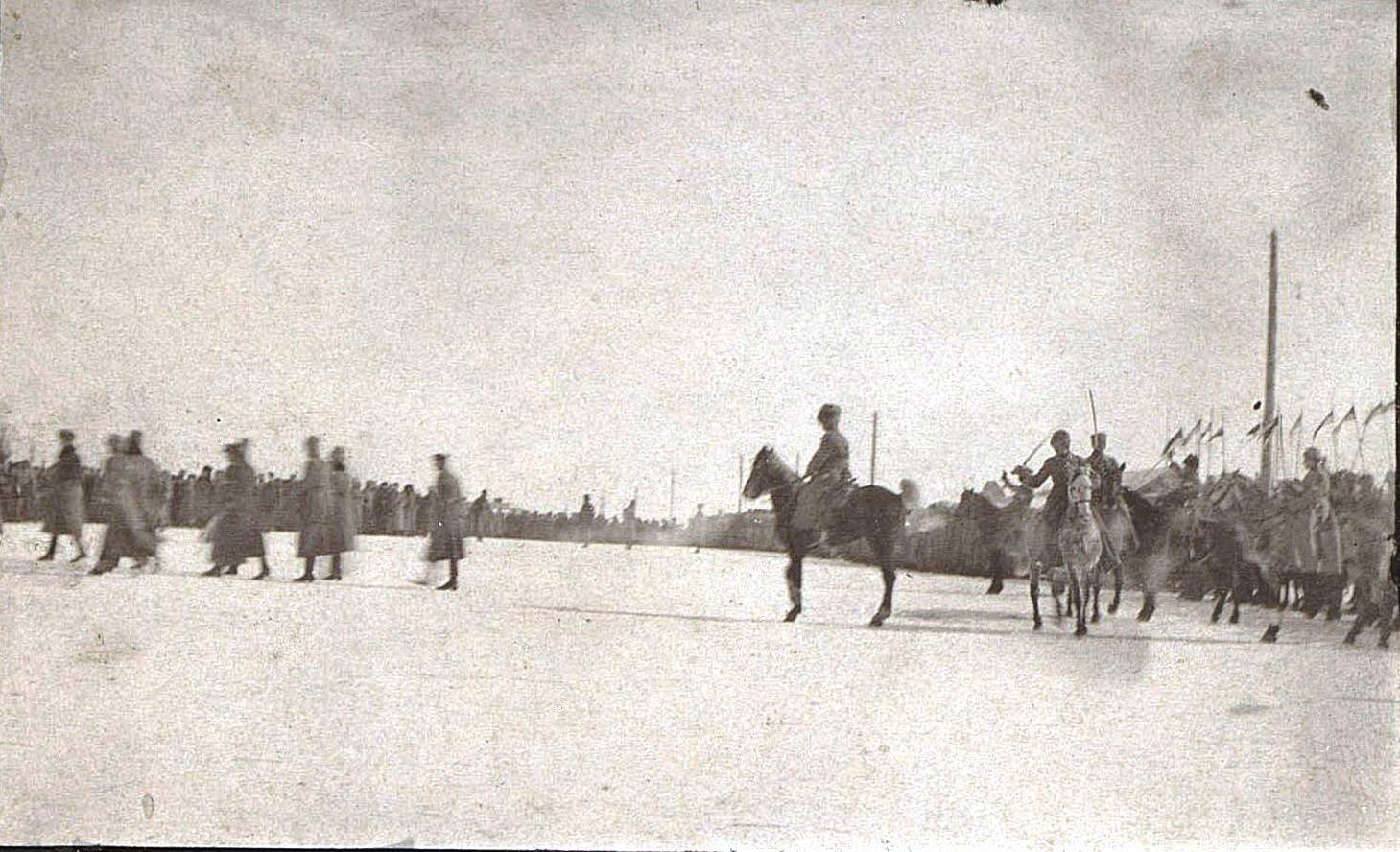 Польский парад. Ново-Николаевск. 1919