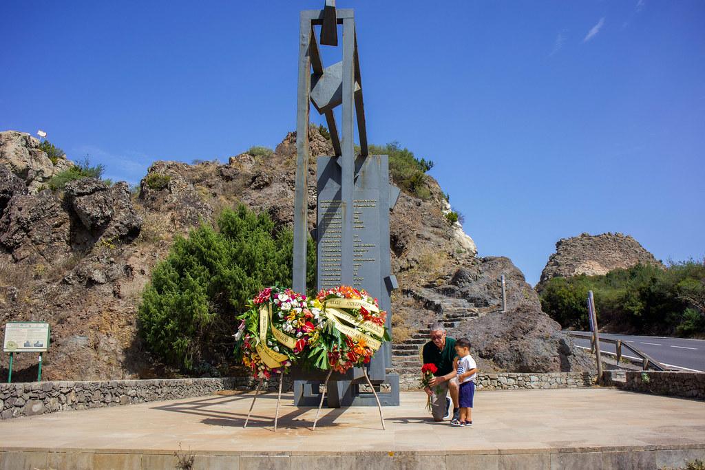 Monumento a las víctimas del incendio del 11 de septiembre de 1984 en La Gomera