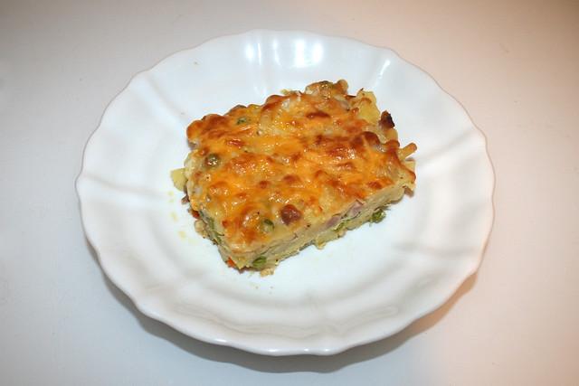 Potato pasta casserole with ham & veggies - Leftovers IV / Kartoffel-Nudel-Auflauf mit Schinken & Gemüse - Resteverbrauch IV