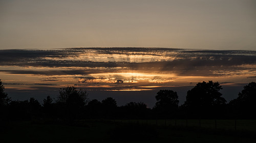 sunset rays velodenz fujifilmxt30 sky cloud pattern saltford banes bnes england unitedkingdom uk greatbritain gb