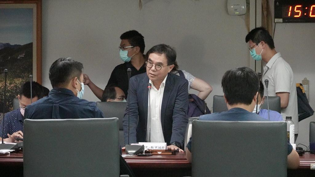 台中市都發局局長黃文彬親自率隊出席,替台中市國土計畫做說明。孫文臨攝