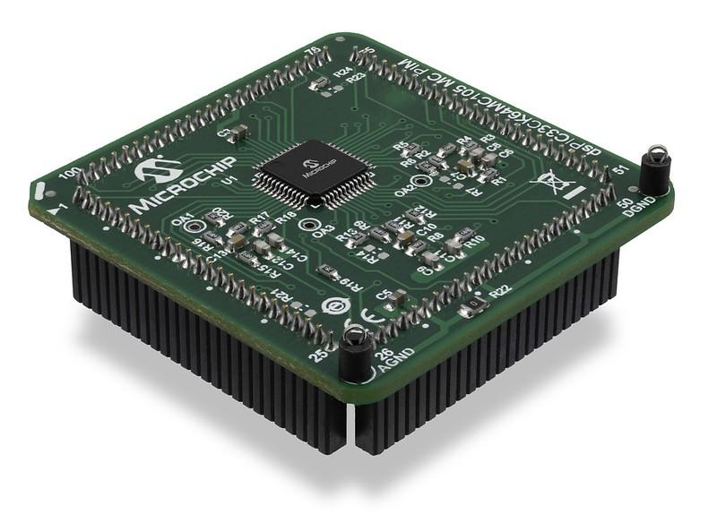 dsPIC33CK64MC105 Internal Op Amp Motor Control Plug-in Module (PIM) MA330051-2