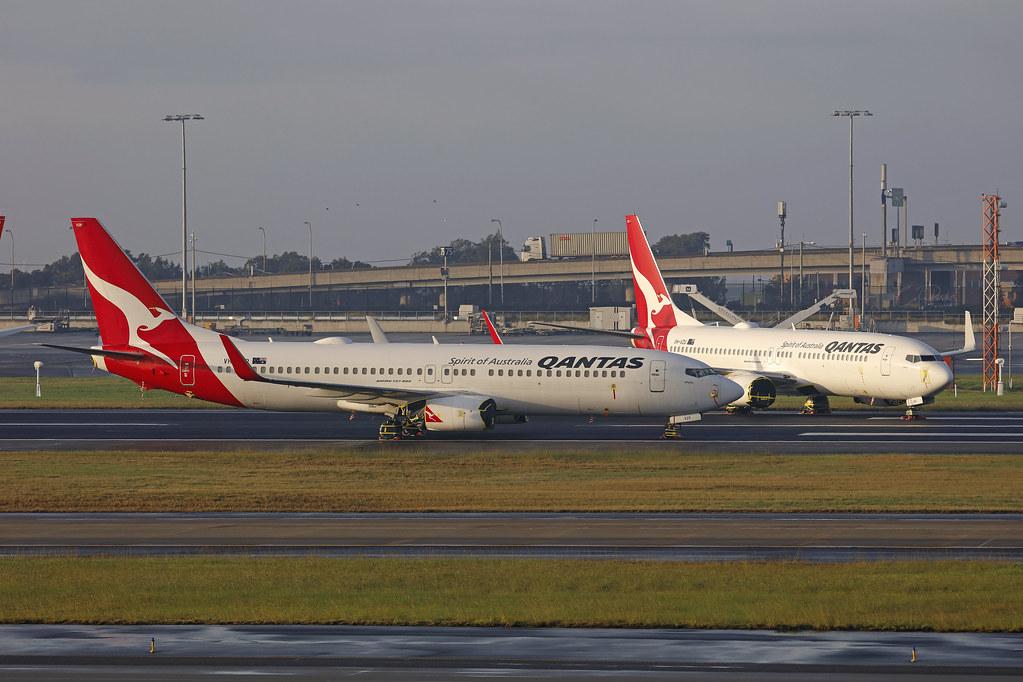 VH-VZP/VH-VZU, Boeing 737-800, Qantas, Sydney