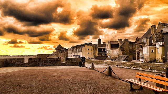 Sur les remparts de Saint-Malo.