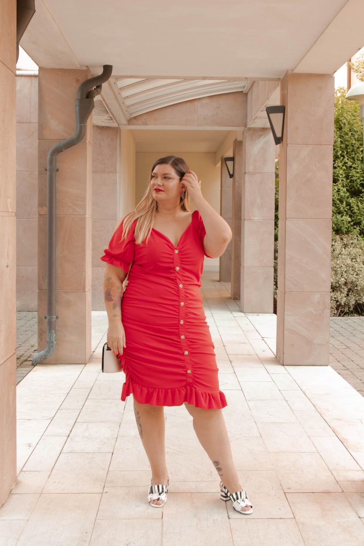 Oufit rosso abito aderente SHIEN curvy (8)