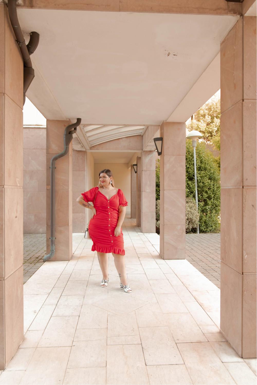 Oufit rosso abito aderente SHIEN curvy (3)