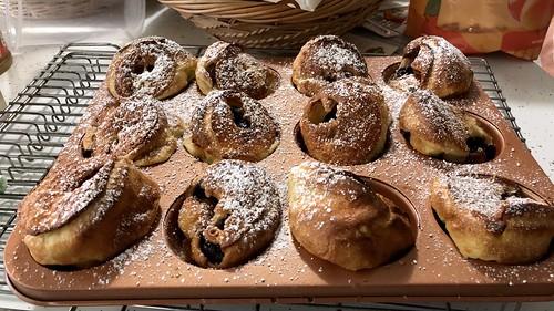 Small size Dutch baby pancakes, fresh cherry filling. Yummy baking! IMG_0328