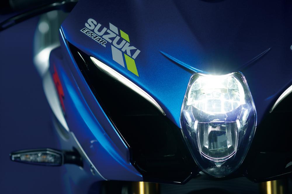 Suzuki GSX-R1000R 100 Anniversary Head