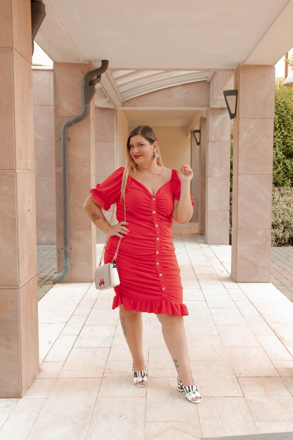 Oufit rosso abito aderente SHIEN curvy (6)