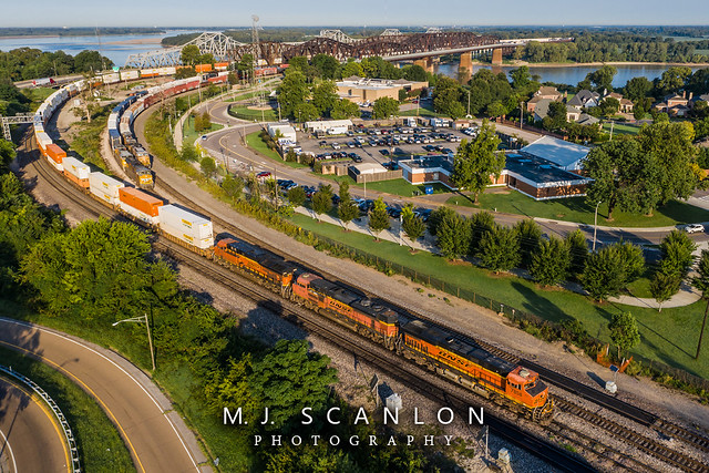 BNSF 7858 | GE ES44DC | BNSF Thayer South Subdivision