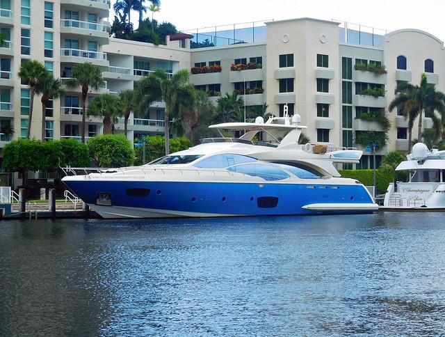 Azimut Grande 30m Luxury Motor Yacht