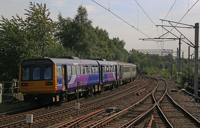 Northern Class 142 142078 & Class 156 156424 - Wigan North Western.