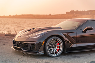 Mike's C7 ZR1 Corvette with SM-10 wheels in Anthracite | by ApexRaceParts