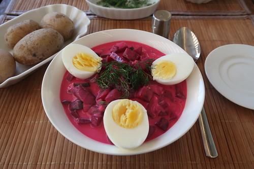 šaltibarščiai = litauische Rote-Bete-Buttermilch-Suppe (meine Portion)