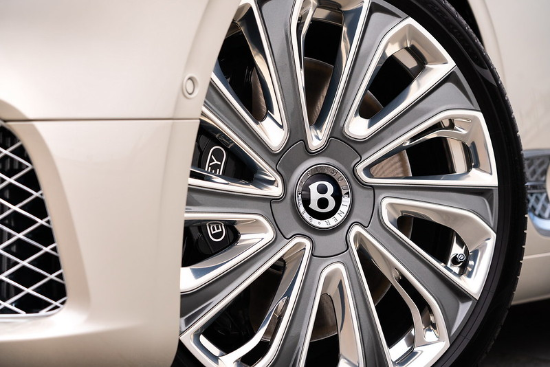 2021-Bentley-Continental-GT-Mulliner-12