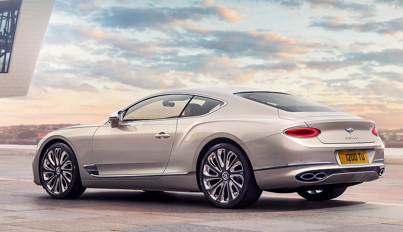 2021-Bentley-Continental-GT-Mulliner-02