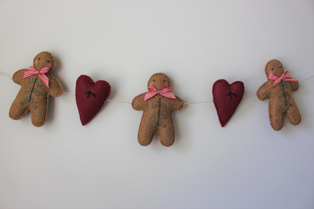 Hand Embroidered Primitive Gingerbread Boys and Hearts Garland