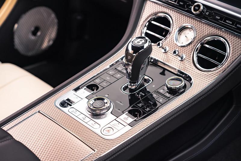 2021-Bentley-Continental-GT-Mulliner-08